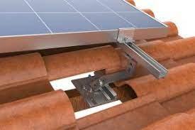 Estrutura de suporte para fixação de painel solar fotovoltaico